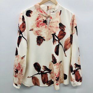 Chicos Large Painted Flowers Knotted Blouse 921